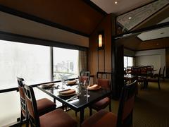 中国料理の高級食材の入った皇家龍鳳一押しのコース料理です
