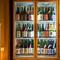 人気銘柄からレアなものまで、約100種以上の銘酒を取り揃え