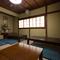 2階の座敷には個室として使える部屋も用意