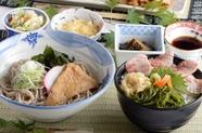 """美味しいものを欲張りたい""""腹ペコさん""""にピッタリ『そばとミニ海鮮丼のセット』"""