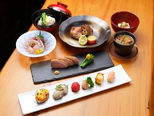 前菜から〆の逸品まで楽しめる『コース料理』