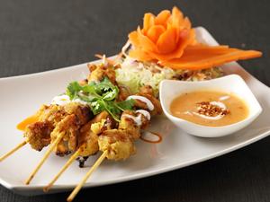 ほんのりカレー味の鶏の串焼き『ガイサテ』