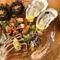 旬の海の幸を堪能する『魚介と冷前菜の盛り合わせ』