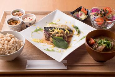 「まごわやさしい」食材を「和」の無添加調味料で仕上げたカラダが喜ぶ一汁六菜『Re:Cell(リセル) 御膳』