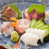 島根県の朝獲れ鮮魚を料理人の腕でより美味しく仕上げた。素材本来の旨味を堪能する『お刺身盛り合わせ』