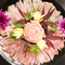 美しい彩りと艶。鮮度抜群の名古屋コーチンは一味もふた味も違う