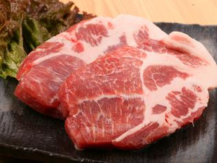 地元の食材を大切に、十勝産の黒豚やラム肉をご用意