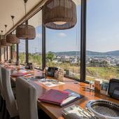 ステキな景色を眺めながら楽しむ食事
