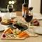 宴席を華やかに彩る、目にも鮮やかな料理の数々