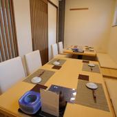 接待や記念日の晩餐に相応しい、和の個室をご用意