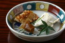 二つの異なる焼き物を楽しめる鱧の『源平焼き』