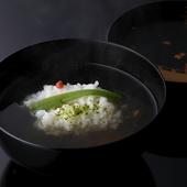 水の種類にまでこだわった、日本料理の要である『椀物』