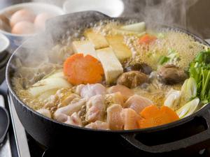 地鶏と国産野菜の旨味を堪能する『鶏すき』 (一人前~)