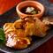 柔軟な調理スタイルで満喫できる比内地鶏は、一羽丸ごと買い付け