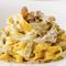 パスタやピザ生地、チーズなどイタリアンの食材にこだわってます