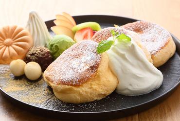 ふわっと膨らんだ生地はとろける美味しさ。ANNONオリジナル和テイストの『パンケーキ ANNON』