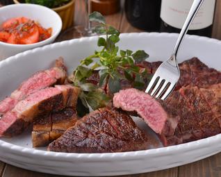 熟成和牛大判一枚肉グリルは盛り上がること間違いなし。圧巻の大判肉。グリルド・エイジングコース