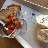 """南イタリア レア物フレッシュチーズ""""ブラッティーナ""""とフルーツトマトのブルスケッタ"""