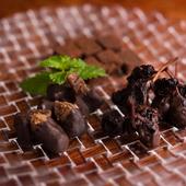 素材から厳選した『自家製チョコレートの盛り合わせ』