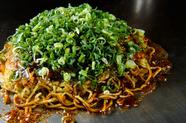 これが名物。ザ・広島お好み焼き『彩―TAMI―』