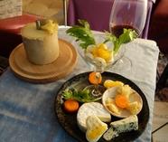 ■ソムリエ厳選のワインに合うチーズ盛り合わせ