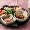 ヘルシーな日本料理を味わう『八寸(豆皿の前菜盛り合せ)』