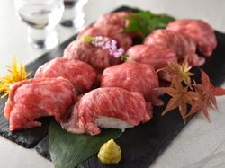 注目度No.1!炙り肉寿司10種食べ放題→1980円♪メディアで大注目の炙り肉寿司が食べ放題で◎
