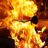 800度の藁の炎で焼き上げる、豪快な『藁焼き』を味わう