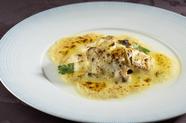 鮮度抜群の白身魚で紡ぐ『鐘崎漁港産 本日の天然魚のムニエル』 ※季節に応じて料理内容が変わります。