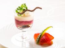 フルーツ王国である岡山の果物をデザートやソースで食す
