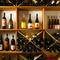 300本の中から、好みや予算、料理に合わせたワインをチョイス
