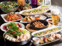 餃子、焼鳥、創作串、サラダ、魚、とんぺい焼き、一品料理、〆の麺、デザート等12種~14種の大ボリューム!