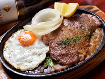豚肩ロース肉の鉄板焼きステーキ『ふくしまブルブル』