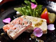 季節の食材などを使った前菜メニュー。その日のおすすめをシェフがセレクトしてくれます。