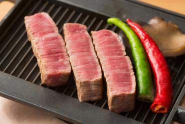 宮崎・佐賀・三田・近江を中心に厳選した『特選A5ランク和牛のステーキ』