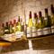 ブルゴーニュワインを中心に、約200種類と圧巻の品揃え