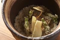 贅沢な海の幸の饗宴『海鮮四種の土鍋炊き込み御飯』