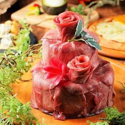 主役が喜ぶフォトジェニックな肉ケーキでお祝い♪肉ケーキは無煙グリルかしゃぶしゃぶかお選び下さい。