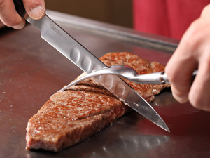 A5ランク・国産黒毛和牛の中でも雌牛のみを取り扱う『黒毛和牛ステーキ』