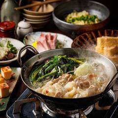 前菜に魚料理を2種類用意しメインにグツグツ石炊き餃子!〆には肉巻きおにぎりを♪