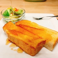 バター&生クリーム&ブルーベリーの効いた『フレンチトースト』