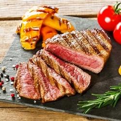 A4和牛の炙り肉寿司やアヒージョなどをお楽しみいただけるプランです。