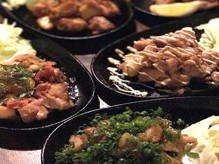 国産の上質な鶏肉を使った『大山鶏の焼き鶏鉄板』