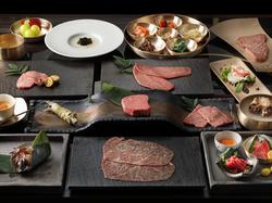 宮崎牛を中心とした高級部位が楽しめる、デザートまでついた大満足コースです。