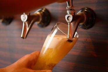 金沢産のクラフトビール常時タップイン!