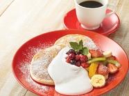 フルーツリコッタパンケーキ(Fruits Ricotta Pancakes)