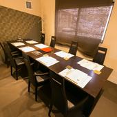 プライベートな空間でゆったりと極上の肉を味わえる完全個室