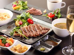 鉄板料理を存分に味わう『ステーキコース』