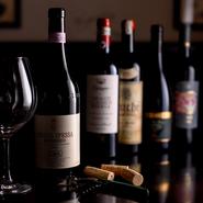 【グリリア ディ ガエターノ】では、イタリアワインを中心に、コースの内容やお料理に合うワインを多数用意。特に食後酒のバリエーションも多彩なので、デザートとともに、あるいはお食事後の楽しみも増えます。