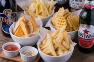 ポテトの形状にもソースにもこだわった、4×7通りの食べ方が楽しめる『フライドポテト』